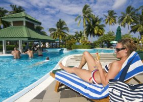 maledivy-hotel-equator-village-015.jpg