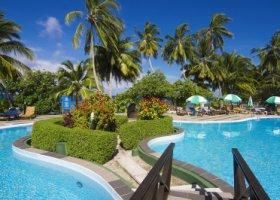 maledivy-hotel-equator-village-016.jpg