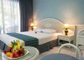 maledivy-hotel-equator-village-018.jpg