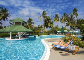 maledivy-hotel-equator-village-025.jpg