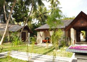 maledivy-hotel-holiday-island-006.jpg