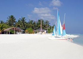 maledivy-hotel-holiday-island-011.jpg