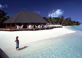 maledivy-hotel-holiday-island-021.jpg