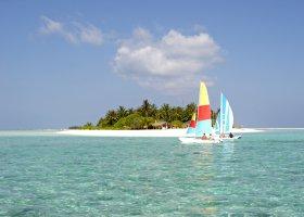 maledivy-hotel-holiday-island-029.jpg