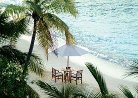 maledivy-hotel-makunudu-island-010.jpg