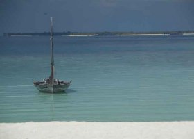 maledivy-hotel-makunudu-island-014.jpg