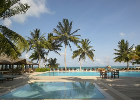 maledivy-hotel-meeru-island-resort-002.jpg
