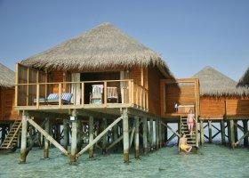 maledivy-hotel-meeru-island-resort-003.jpg