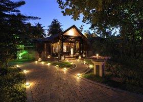 maledivy-hotel-royal-island-resort-spa-003.jpg
