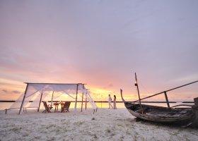 maledivy-hotel-royal-island-resort-spa-023.jpg