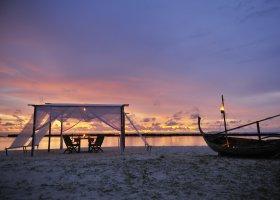 maledivy-hotel-royal-island-resort-spa-026.jpg