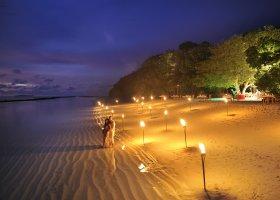 maledivy-hotel-royal-island-resort-spa-030.jpg