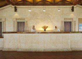 maledivy-hotel-royal-island-resort-spa-031.jpg