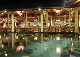 maledivy-hotel-royal-island-resort-spa-040.jpg