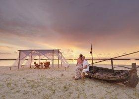 maledivy-hotel-royal-island-resort-spa-054.jpg