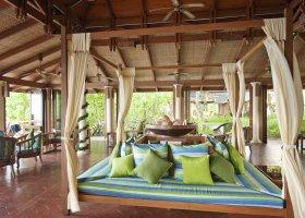 maledivy-hotel-royal-island-resort-spa-057.jpg