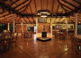 maledivy-hotel-royal-island-resort-spa-064.jpg