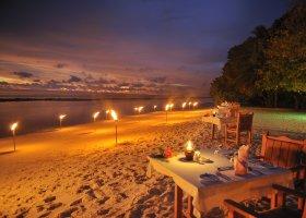maledivy-hotel-royal-island-resort-spa-068.jpg