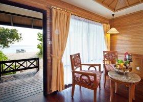 maledivy-hotel-royal-island-resort-spa-075.jpg