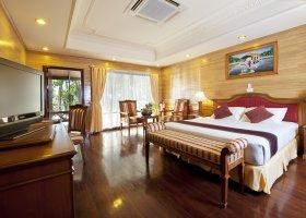 maledivy-hotel-royal-island-resort-spa-082.jpg