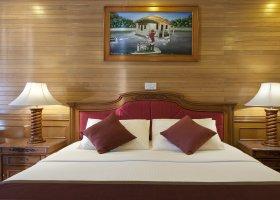 maledivy-hotel-royal-island-resort-spa-083.jpg