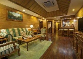 maledivy-hotel-royal-island-resort-spa-085.jpg