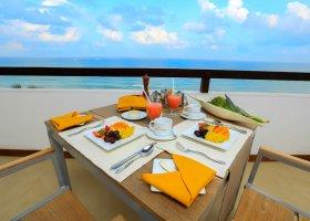 sri-lanka-hotel-pandanus-beach-hotel-010.jpg