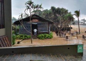 sri-lanka-hotel-pandanus-beach-hotel-071.jpg