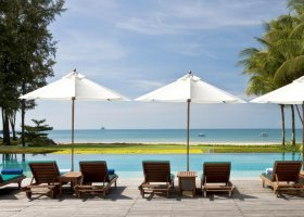 thajsko-hotel-dusit-thani-krabi-beach-resort-002.jpg